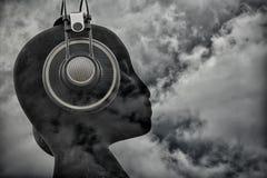 在云彩`的`头由禅宗Duder 库存照片