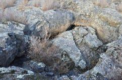 在五大连池全球性geopark的熔岩荒野在多云天气的华北 库存图片