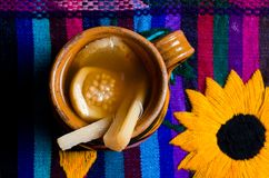 在五颜六色的休息的墨西哥拳打 库存图片
