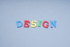 在五颜六色的信件的设计 免版税库存照片