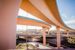 在亚伯科基新墨西哥附近的高速公路桥梁 库存图片