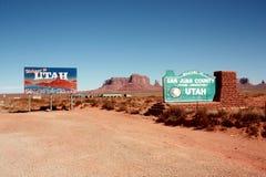 在亚利桑那和犹他之间的边界 库存照片