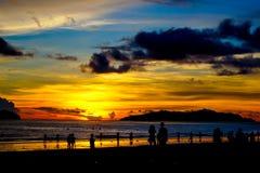 在亚庇海湾的热带日落 免版税图库摄影