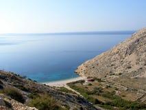 在亚得里亚海海岸的秘密海滩在克罗地亚 库存图片