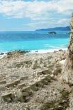 在亚得里亚海的一个离开的海滩 免版税库存照片