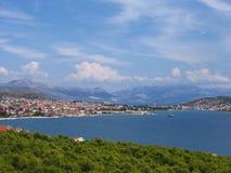 在亚得里亚海的岸的生动的风景 图库摄影