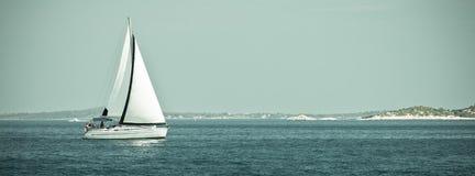 在亚得里亚海的消遣游艇 库存图片