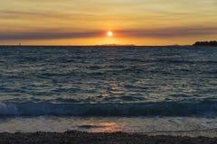 在亚得里亚海的美好的日落在Primosten克罗地亚 免版税库存图片