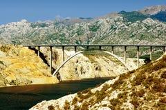 在亚得里亚间的桥梁。 免版税库存图片