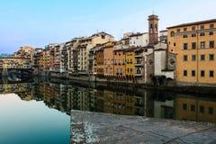 在亚诺河的佛罗伦萨佛罗伦萨大厦 免版税库存照片