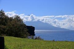 在亚速尔群岛葡萄牙和Pico的美丽的Isla Faial 免版税库存照片