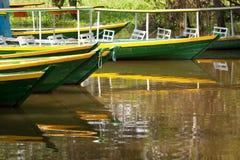 在亚马孙河的小船 免版税图库摄影
