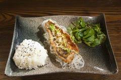 在亚洲人的油煎的鱼 免版税库存图片