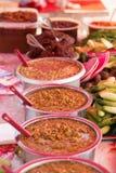 在亚洲人的街道食物 库存图片