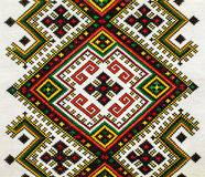 在亚麻布的传统乌克兰全国刺绣 免版税库存照片