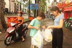 在亚洲越南市哄骗shoppin 库存照片