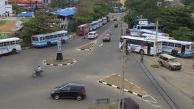 在交叉点的公共汽车 影视素材