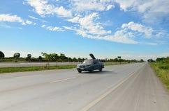 在交通的在高速公路的行动和运输 库存照片