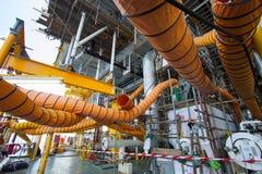 在产业工作的供气水管,当开放出入孔或工作在局限的空间区域 库存照片