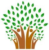 在人树商标家庭的团结  免版税库存照片