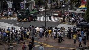 在人群行人交叉路涩谷东京的Timelapse视图 t 股票视频