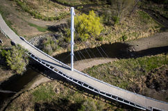 在人行桥的鸟瞰图在Arvada 图库摄影