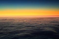 在从Pico火山看见的大西洋的五颜六色的日出 免版税库存图片