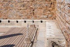 在以弗所历史古城的古老废墟 图库摄影