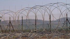 在以色列和约旦河西岸之间的边界篱芭 铁丝网电子篱芭 股票录像