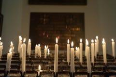 在仪式期间的华沙波兰10月2014宽容基督教会内部 免版税图库摄影