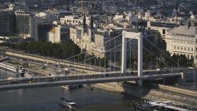 在伊丽莎白桥梁的交通 影视素材