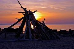 在伊利湖的日落克利夫兰北部岸的 库存照片