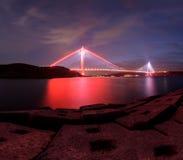 在伊斯坦布尔新的bosphorus桥梁的日落时间  库存照片