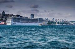 在伊斯坦布尔港口的MSC Preziosa 库存图片