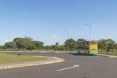 在伊泰普水电站公园的旅游旅途 免版税库存图片