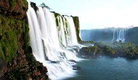 在伊瓜苏瀑布的黄昏 免版税库存照片