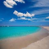 在伊维萨岛附近的福门特拉岛Illetes Illetas热带海滩 库存图片