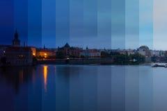 在伏尔塔瓦河河的堤防的早晨 意想不到的拼贴画 免版税图库摄影