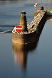 在伏尔塔瓦河河的小灯塔在布拉格 免版税图库摄影