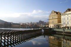 在伏尔塔瓦河河的看法在布拉格 免版税图库摄影