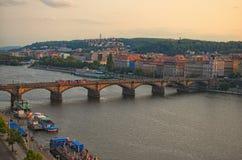 在伏尔塔瓦河河的Palackeho桥梁在布拉格,捷克 从跳舞议院的顶端看法 100f 2 8 28 301 ai照相机夜间f影片fujichrome nikon s夏天velvia 库存图片