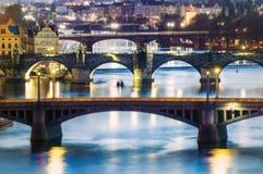在伏尔塔瓦河的桥梁在布拉格 图库摄影