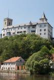 在伏尔塔瓦河的罗森贝里城堡 库存照片
