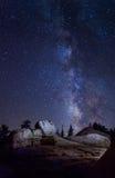 在优胜美地国家公园的银河 免版税库存照片