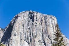 在优胜美地国家公园的El Capitan在夏天 免版税图库摄影