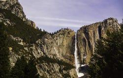在优胜美地瀑布的春天 库存照片