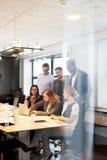 在会议室会集的小组董事 库存照片