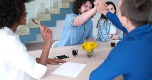 在会议的不同种族的起始的企业队 免版税图库摄影