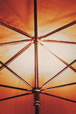 在伞里面的抽象射击 免版税库存照片