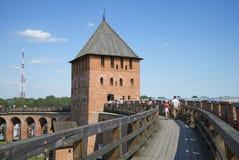 在伟大的诺夫哥罗德堡垒与移动交战 冬天 免版税库存图片